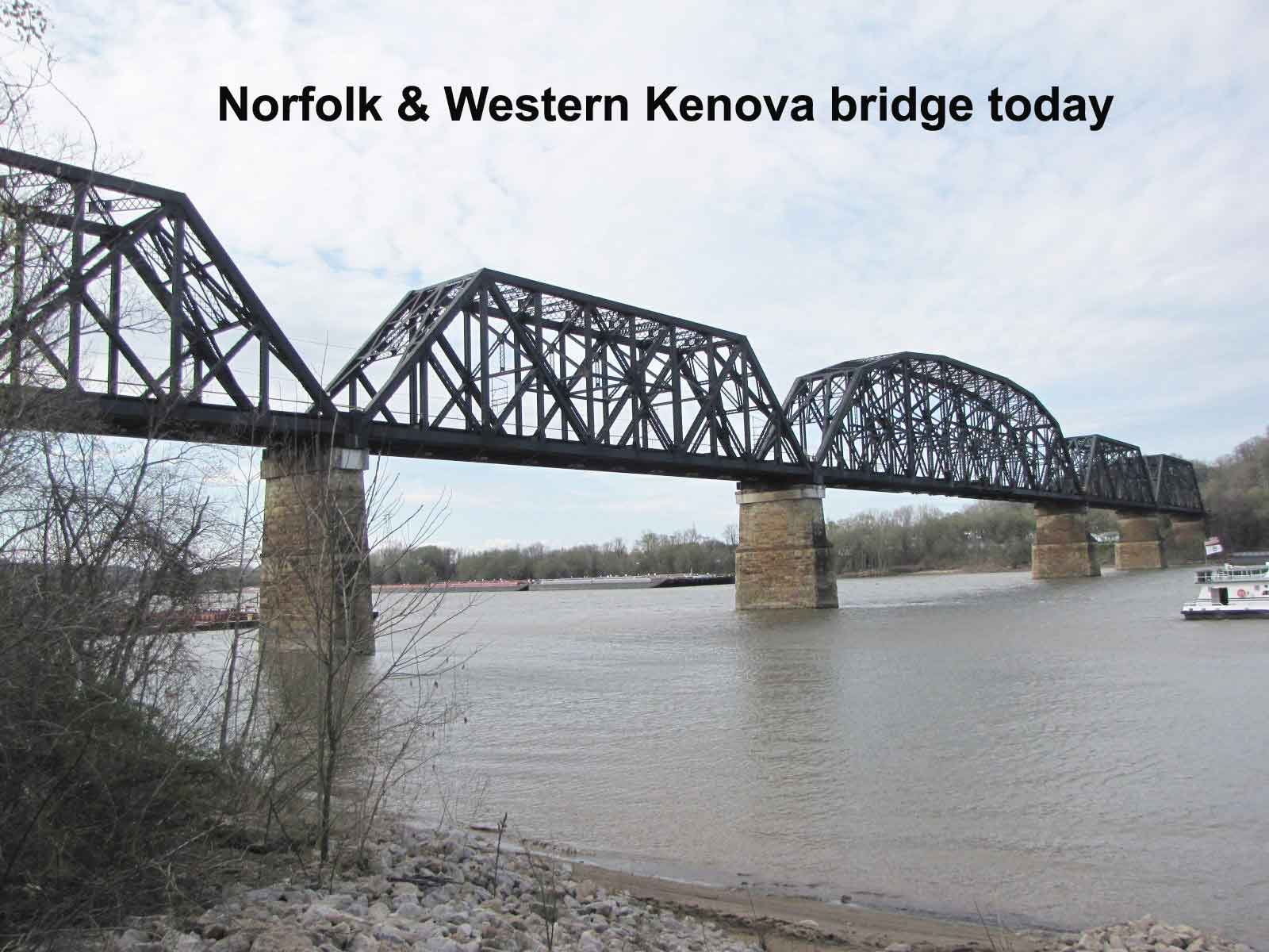 N&W bridge crew pose on Kenova Bridge