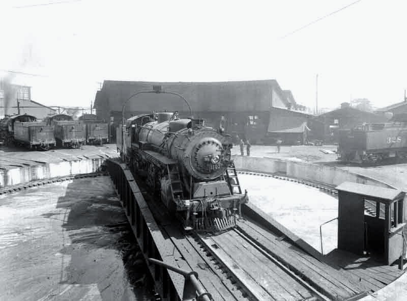 Southern Pacific Roundhouse 1930